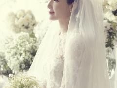 崔智友婚礼照片公开 神秘新郎只露背影不露脸